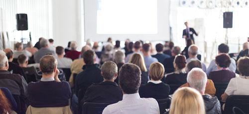 Keynote Speaker w/ audience